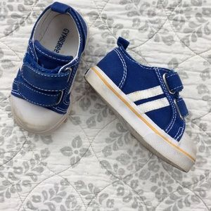 4 Baby Boy Gymboree Velcro Shoes